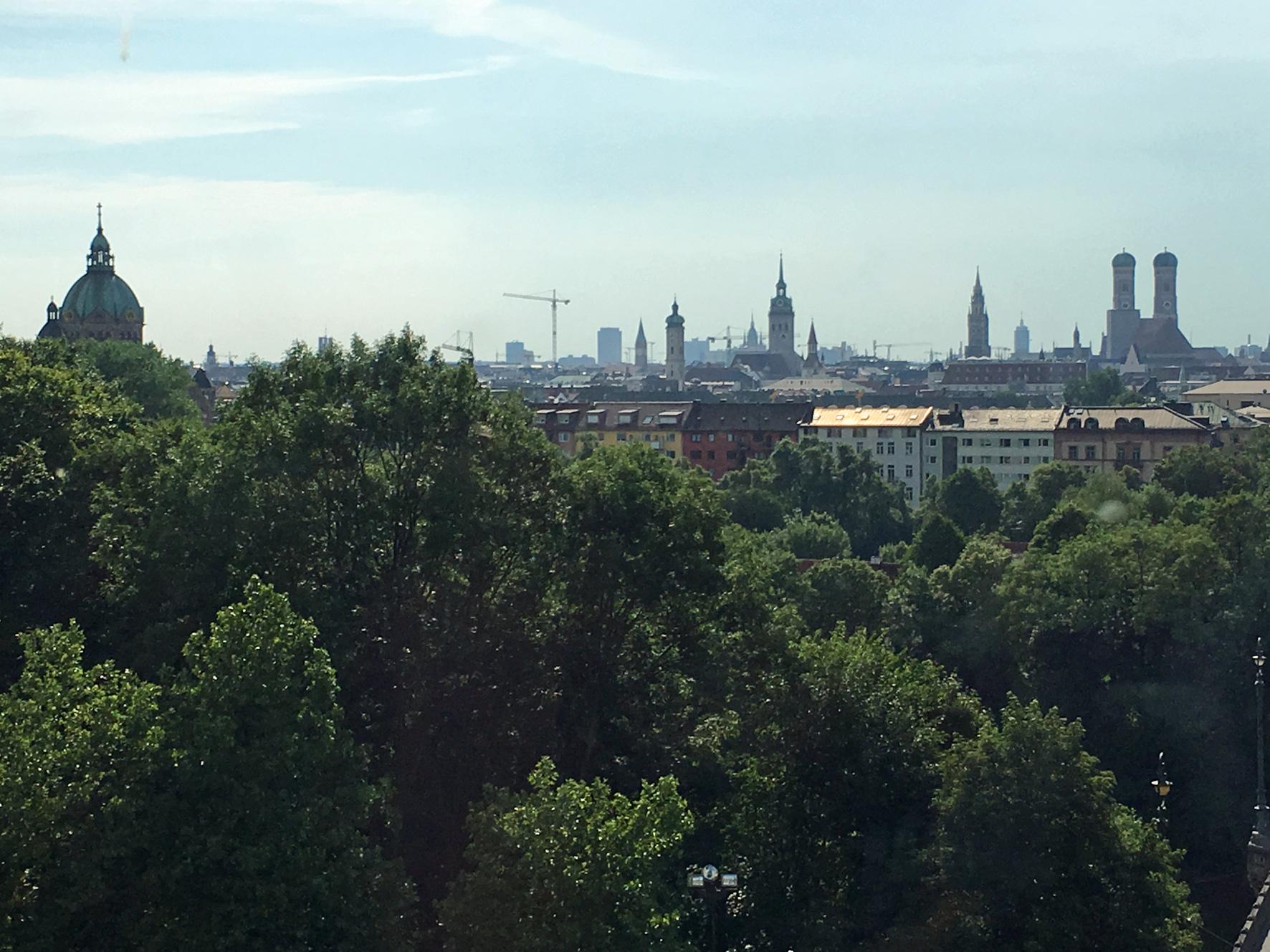 05_Blick-vom-Landtag-auf-die-Stadt-München